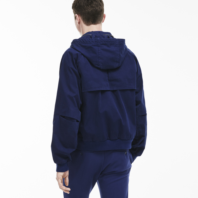 Lacoste Fashion Show Hooded Jacket in Dyed Twill with Various Pockets BH8225: Deauville Blue